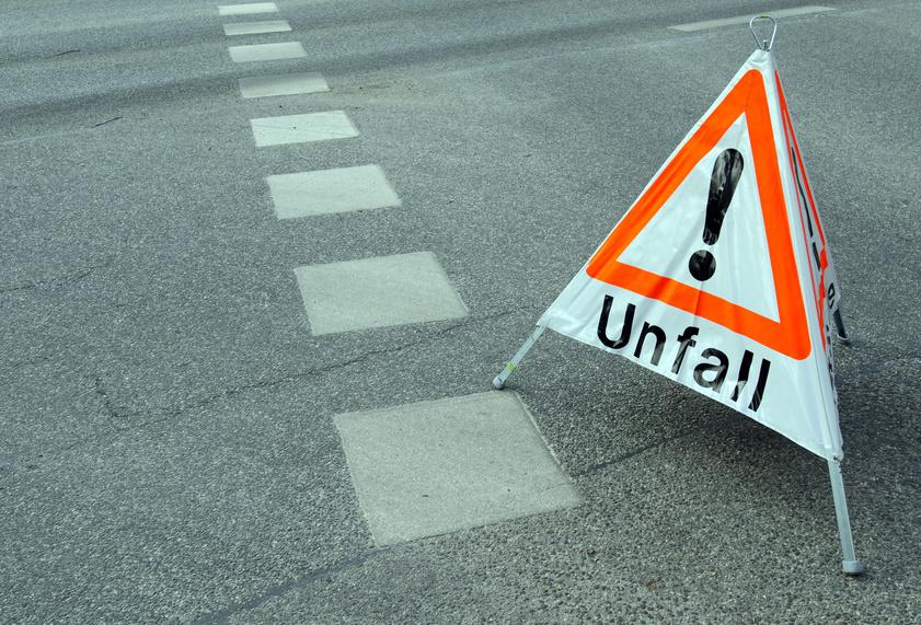 PKW / LKW-Gutachten nach unverschuldetem Verkehrsunfall im Inn-und Ausland